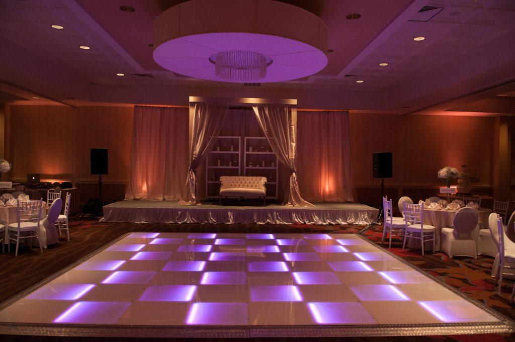 Wedding planner Texas light up dance floor