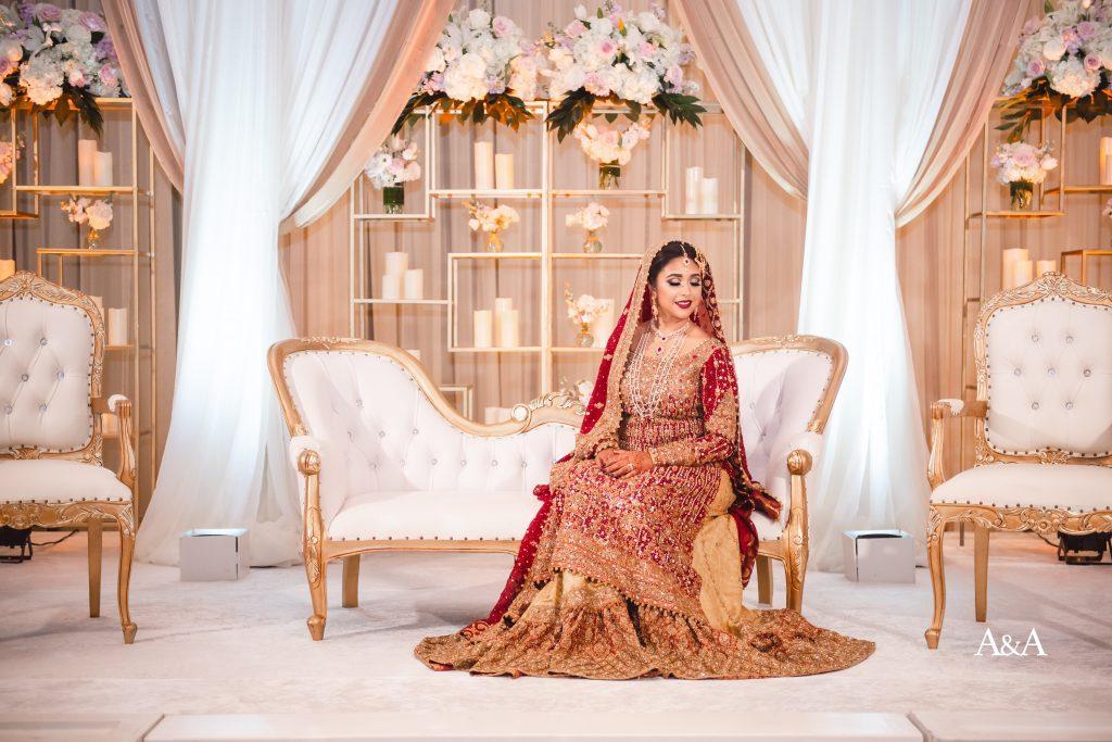 Regal wedding day bridal portraits